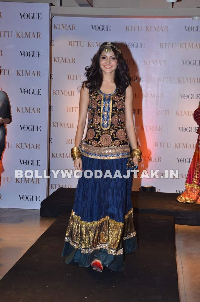 Anushka Sharma Ritu Kumar Store1 - Anushka Sharma at the launch of Ritu Kumar new store