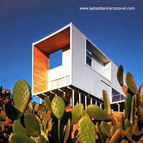 Perspectiva de una casa de madera contemporánea en Las Palmas, Chile