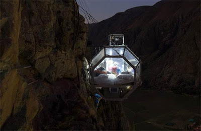 The Most Terrifying Hotel In The World Skylodge