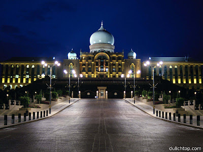 Tour Du Lịch Malaysia Kuala Lumpur - Berjaya - Ba Tu 4 Ngày Cung+dien+hoang+gia+Malaysia+