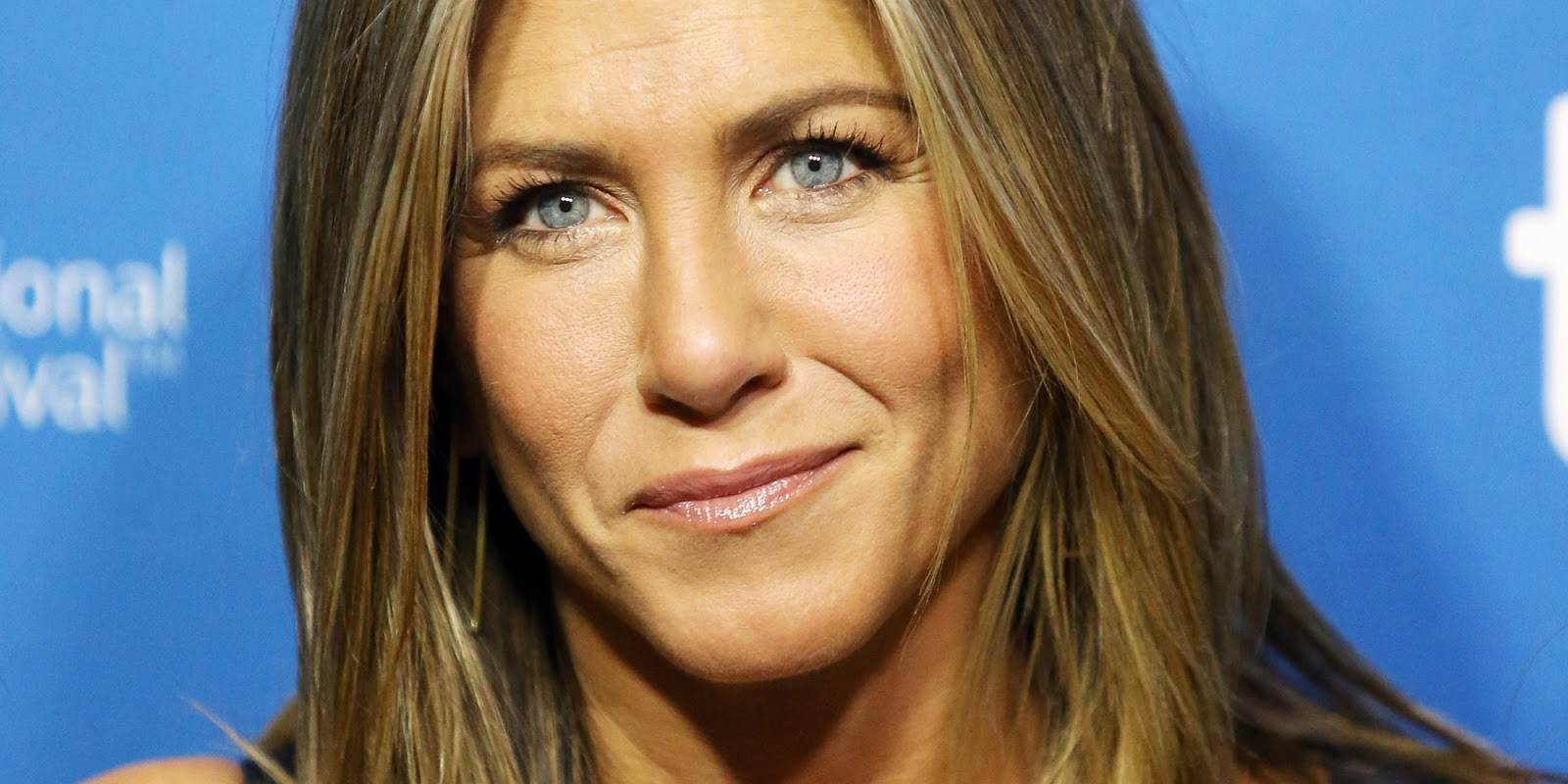 Jennifer Aniston High Resolution
