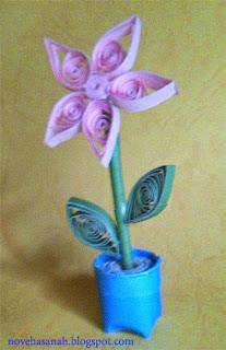 cara membuat bunga dari kertas bekas