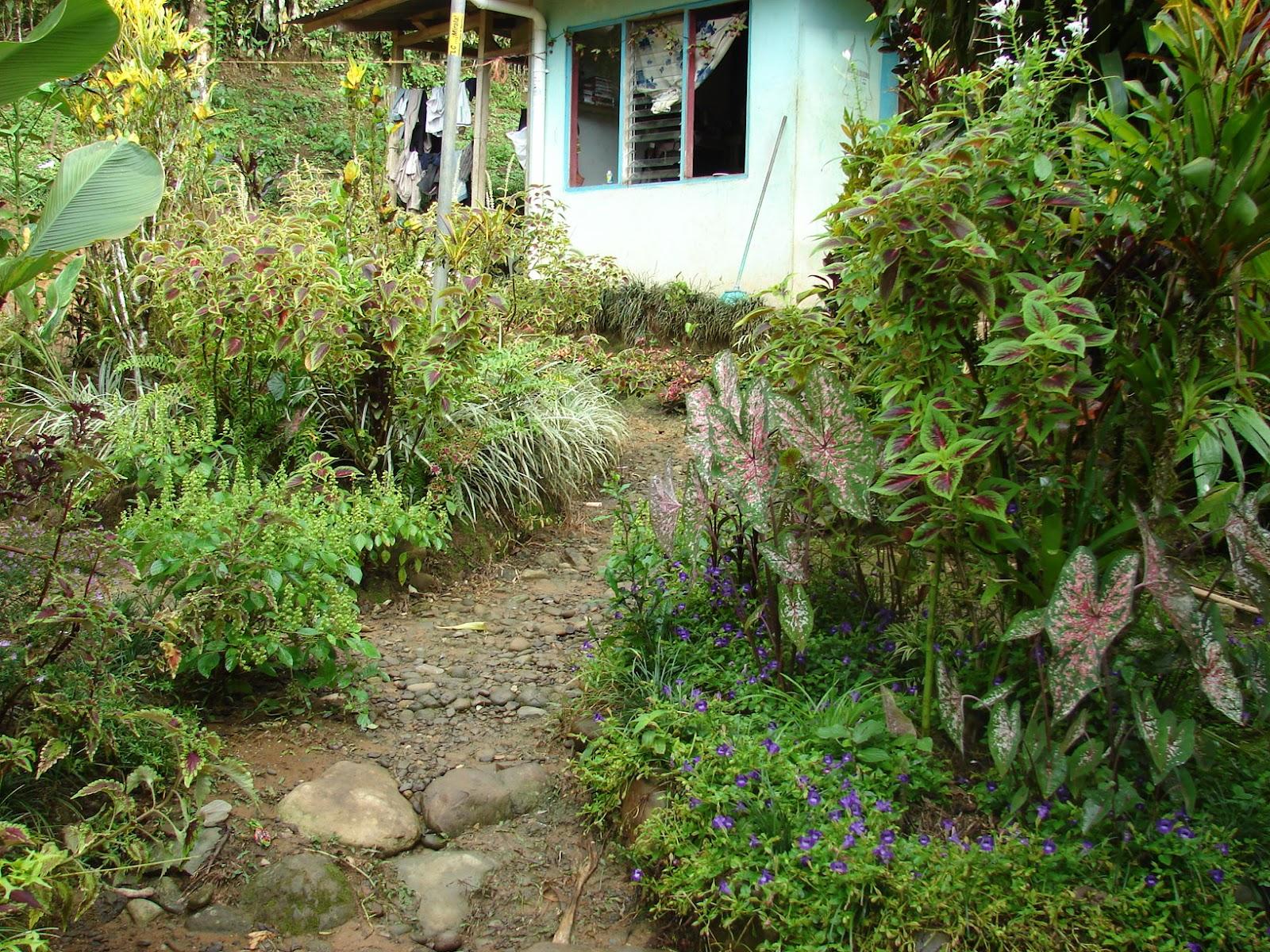 Paisajismo pueblos y jardines julio 2012 - Pequenos jardines con encanto ...