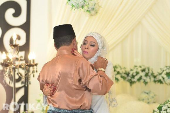 Gambar Pernikahan Izzue Islam Dan Awin Nurin