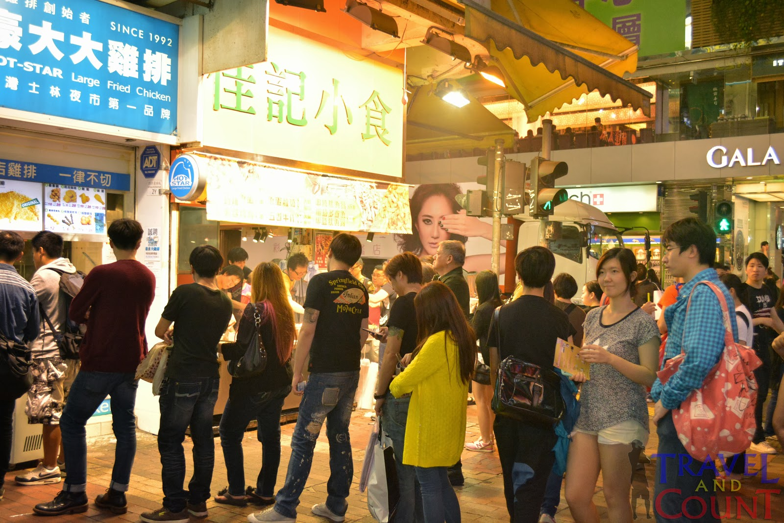 Customers lining up at Mongkok street foods
