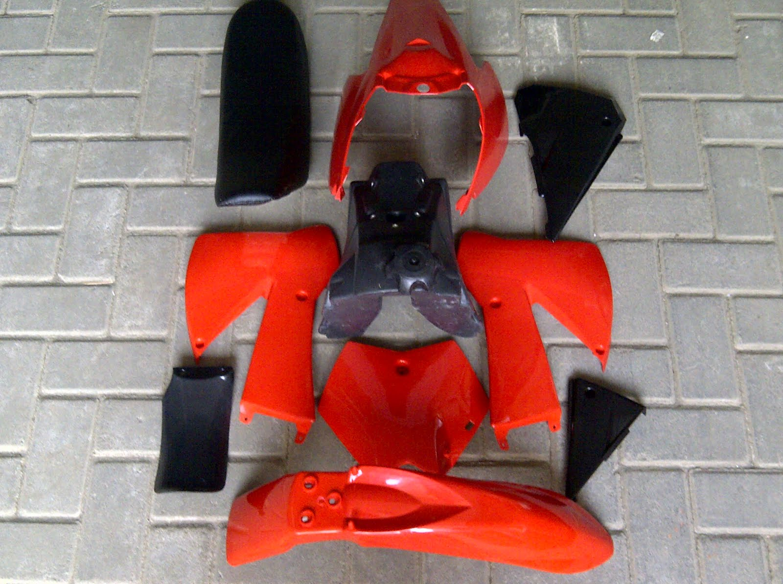 KTM85 body kit red title=