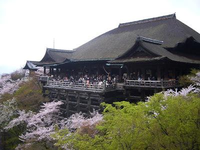 京都市・音羽山 清水寺のサクラ
