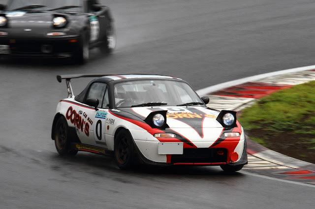 Eunos Roadster, Mazda MX-5, Miata, NA, kultowy roadster, sportowe auta z lat 90, japońskie tory wyścigowe, niedrogie samochody do sportu
