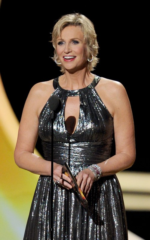 Celebs Show Up BIG For The 2011 Primetime Emmy Awards