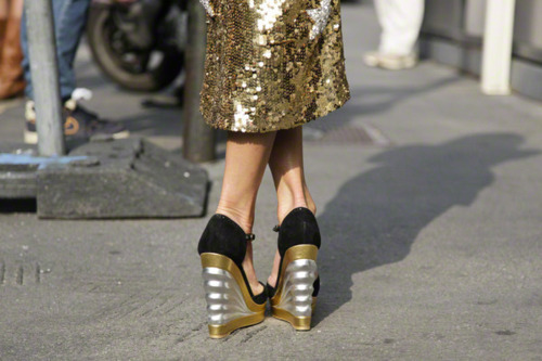 Gold streetstyle