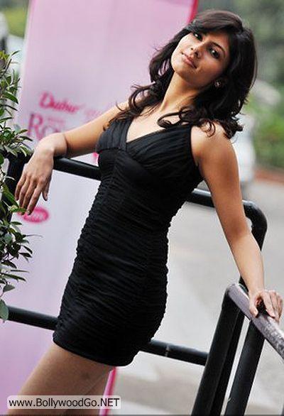 Vanya+Mishra+-+BollywoodGo+(2)