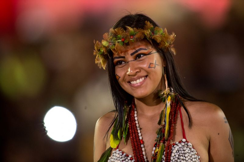 A diversidade cultural dos ind0edgenas pode ser medida pelo n0famero de l0ednguas faladas por eles: s0e3o mais de 180
