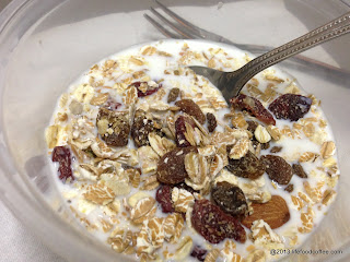 YoGood Cereal, cranberries and blueberry
