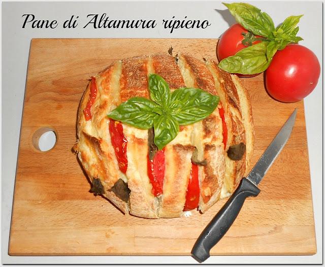 pane ripieno con pomodori e caciocavallo