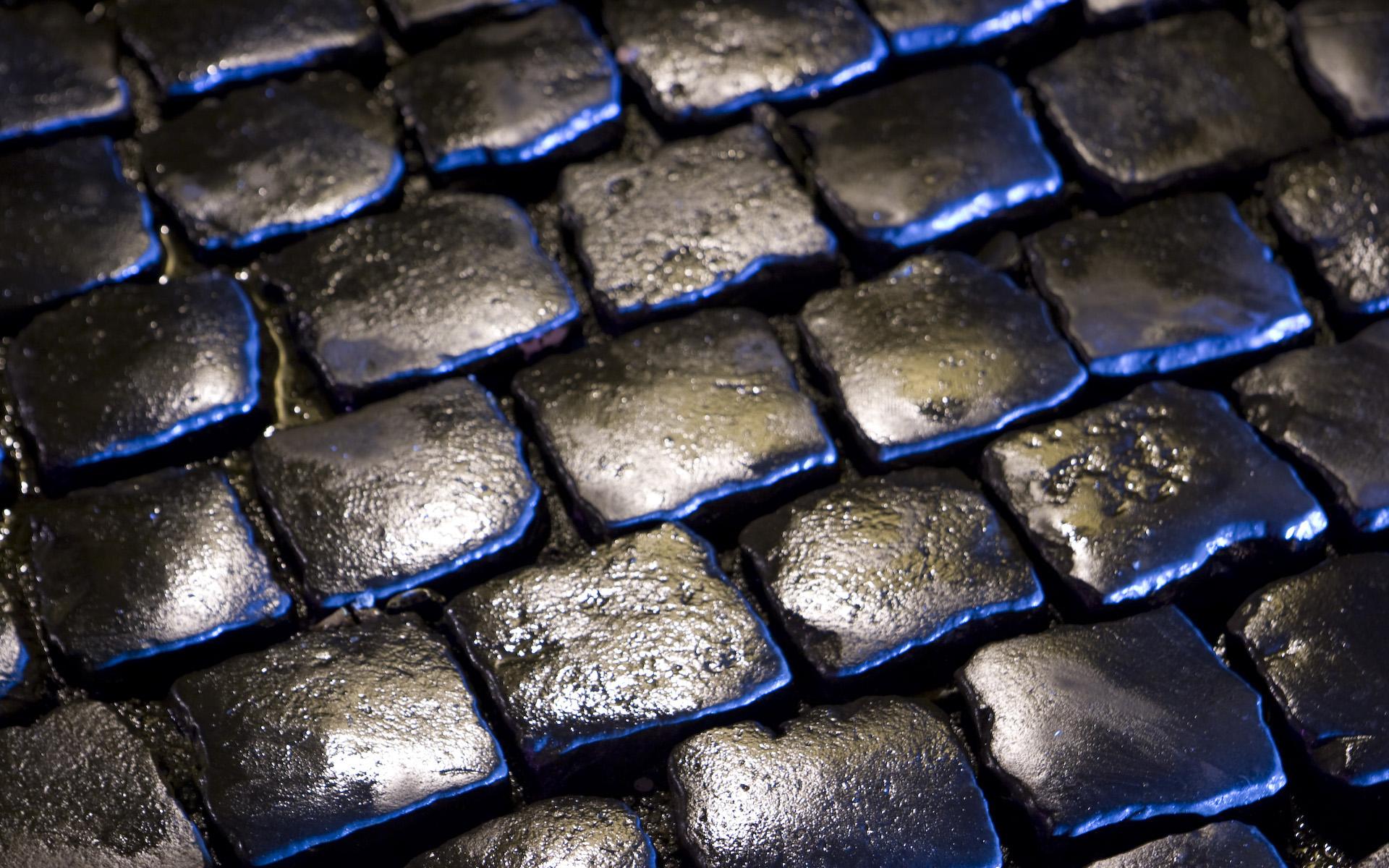 http://2.bp.blogspot.com/-ov8Oboi2u8I/TiywQcva9eI/AAAAAAAAYlw/uQmb6fVLAz8/d/retro%2Bwallpapers%2B-windows%2B7%2B%25252811%252529.jpg