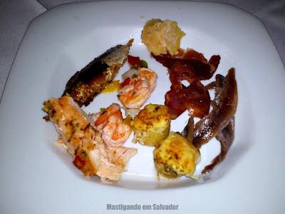 Cantina Cortile: Prato com alguns itens de Antepastos