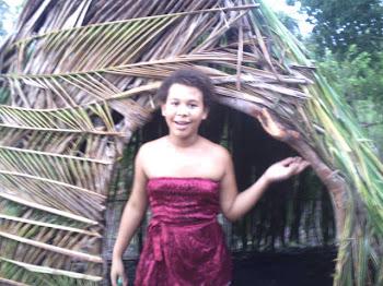 Tupi Antigo: Kunhãmuku'in poranga Katu okapé.