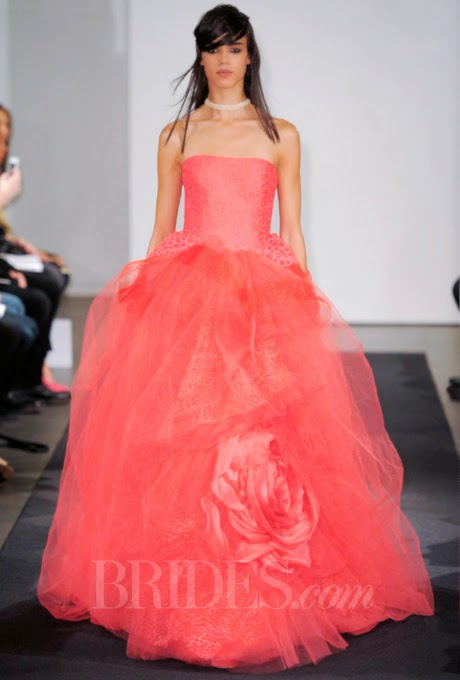 8 Lovely Wedding Dresses From The Vera Wang Fall 2014 Collection