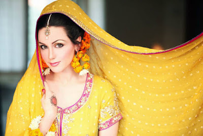 277732252Cxcitefun aisha linnea bridal mehndi 5 - Top Celebrity Fashion