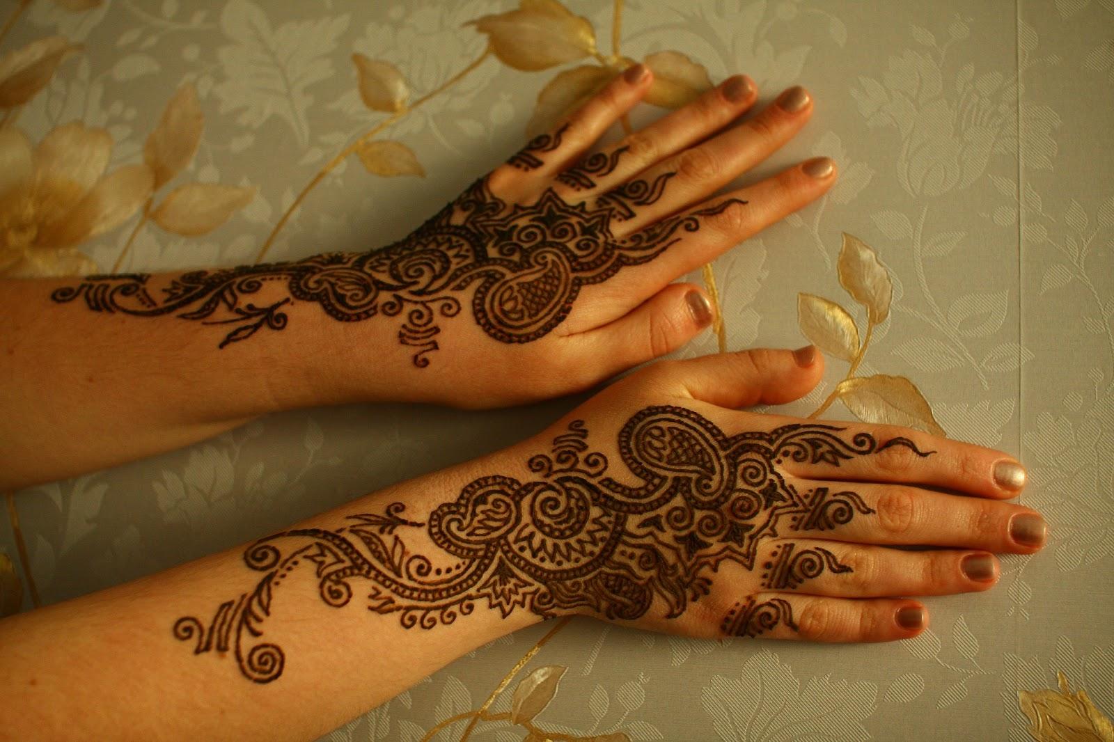 Татуировки для девушек на руке 8