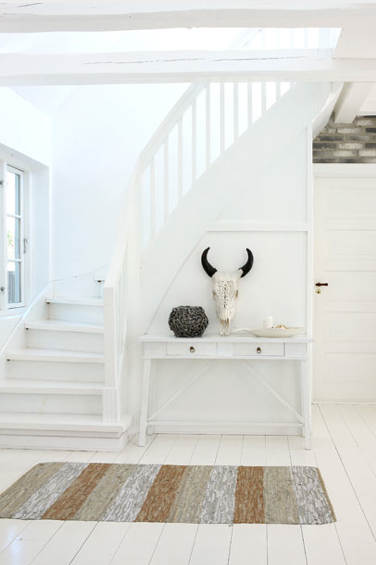 Nothing like white walls, white woodwork and white floors, I just LOVE ...