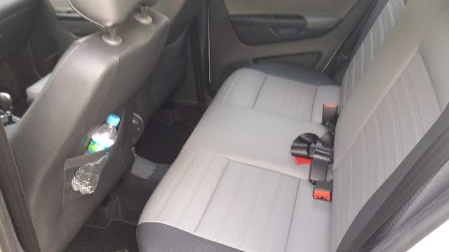 Novo VW CrossFox 2016 I-Motion - espaço traseiro