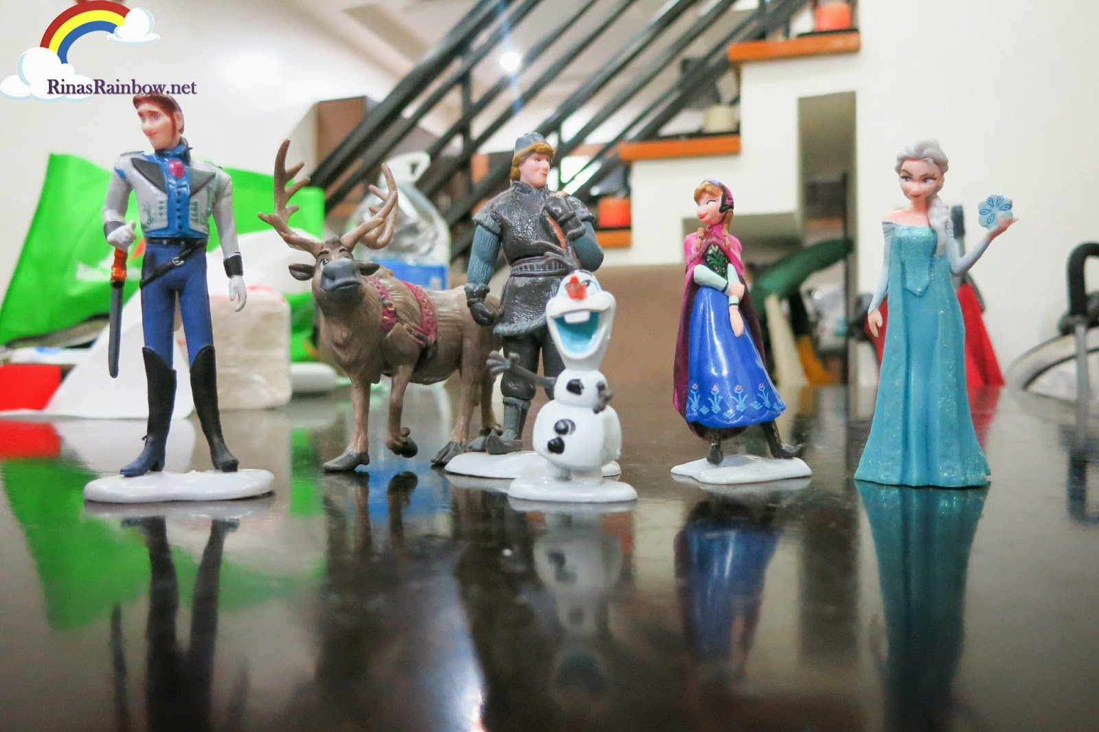 Disney frozen plastic figurines