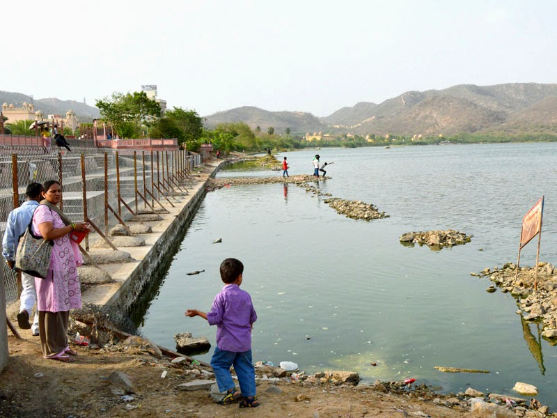 boundary of Jal Mahal for Public