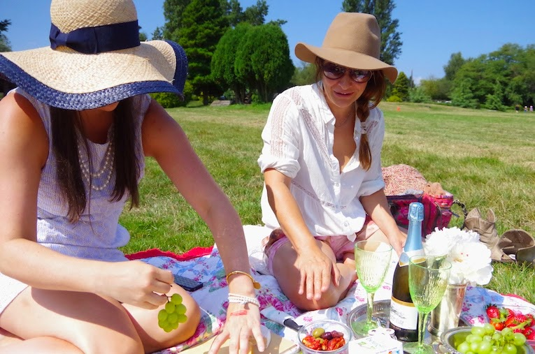 Friends picnic at The Southlands Cup