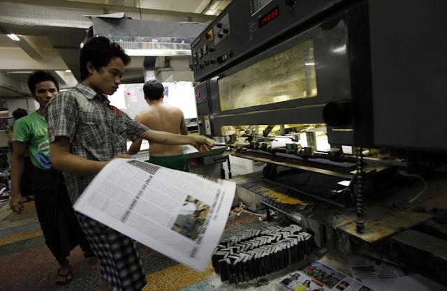 Dal primo aprile 2013 i quotidiani privati tornano nelle edicole in Birmania