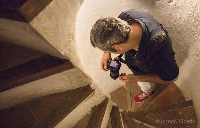 Baixant les escales del Campanar d'Ontinyent. AFCA. Fotografia Canals.