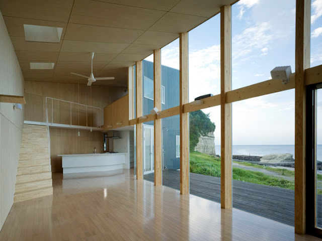 Seaside Boomerang, The Summer House With Facing The Pacific Ocean - Inspiring Modern Home