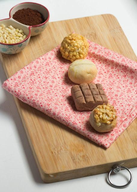 Panellets d'ametlla, canyella, xocolata i llimona.