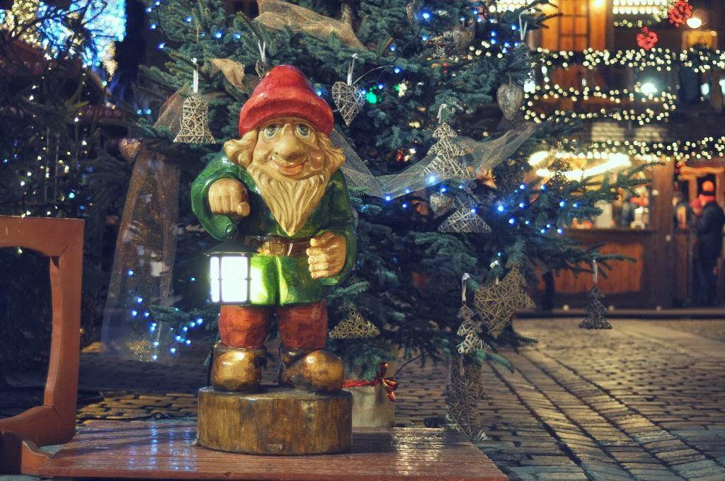 Wrocławski krasnal zaprasza na bożonarodzeniowego grzańca