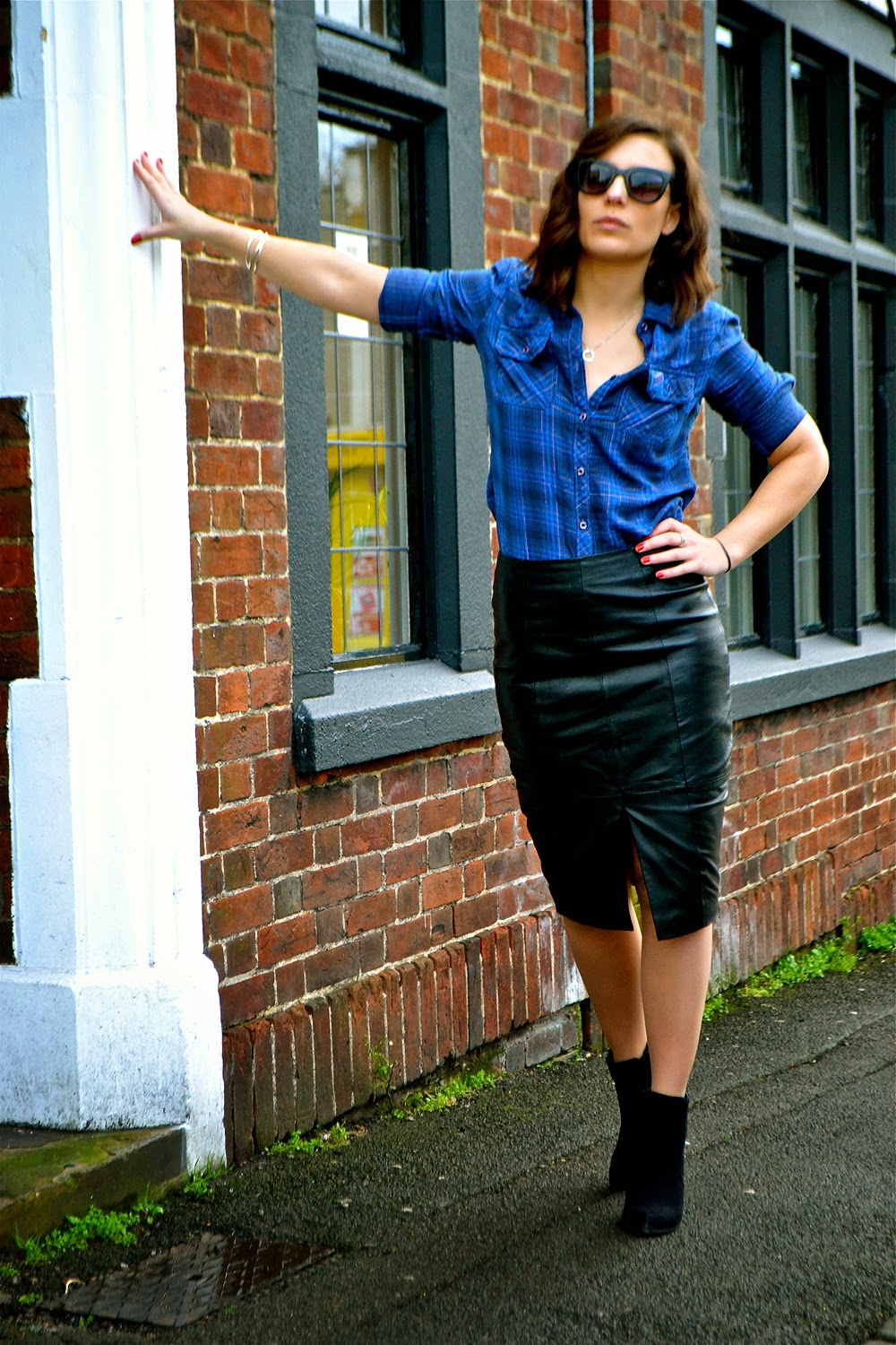 dujouriadore; checked shirt; leather skirt;
