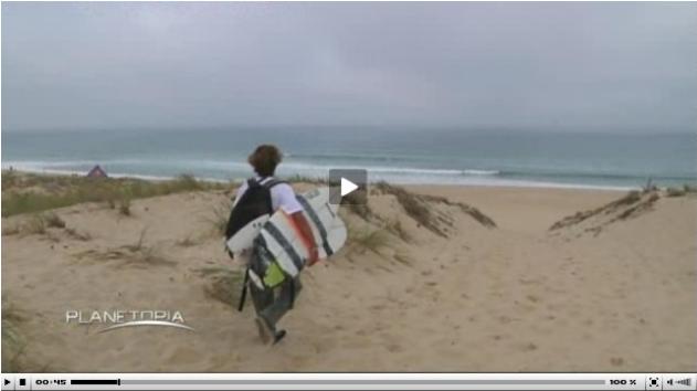 http://www.planetopia.de/nc/magazin/news-details/datum/2013/10/21/hoechsttempo-auf-der-welle-die-spektakulaeren-aktionen-der-surf-elite.html