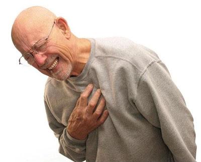 الإسعافات الأولية في حالة الإصابة بنوبة (أزمة) قلبية - heart attack