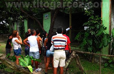 Visitantes acompanham a visita guiada no Parque dos Falcões, em Sergipe