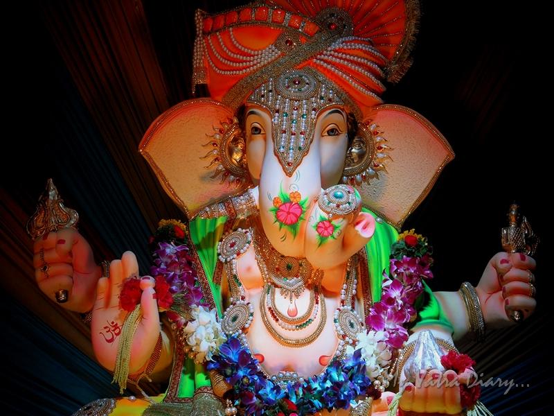 Rich Ganesha, Ganesh pandal hopping, Mumbai