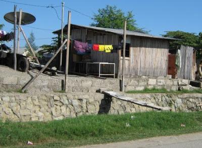 Perumahan penduduk di Ibukota Dili: Dili & Modernização