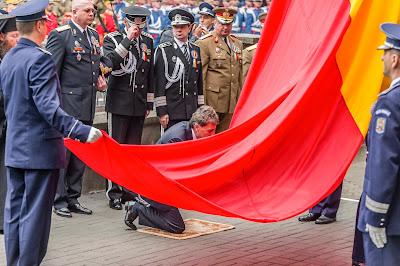 Csíkszereda, Hargita megye, Mircea Dușa, nemzeti szimbólumok, román zászló, Románia, Székelyföld,