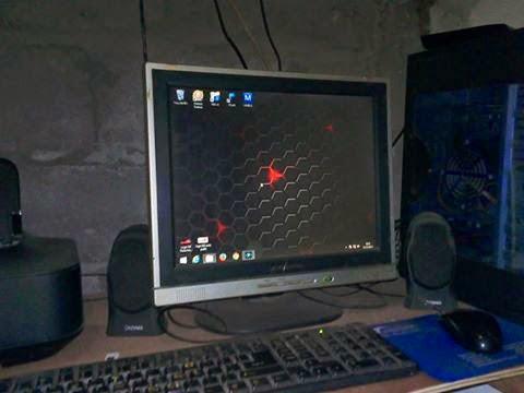 Monitor jadul