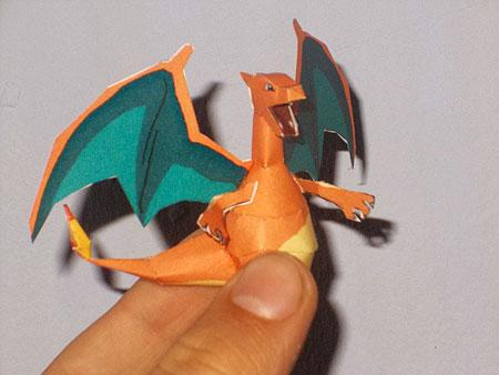 Pokemon Mini Charizard Papercraft
