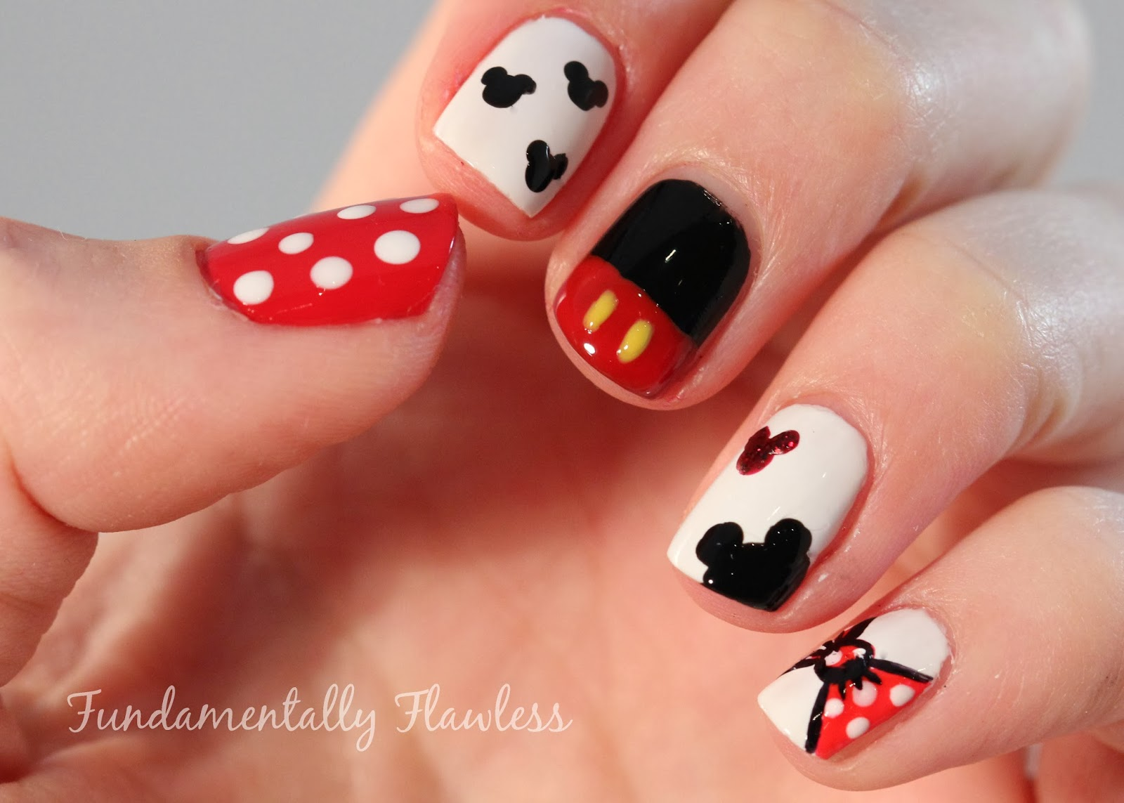 mickey+mouse+nail+art+ff.jpg