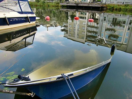 vattenfylld båt