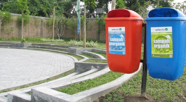http://www.bumata.co.id/product/tempat-sampah-fiberglass-gantung-body-oval/