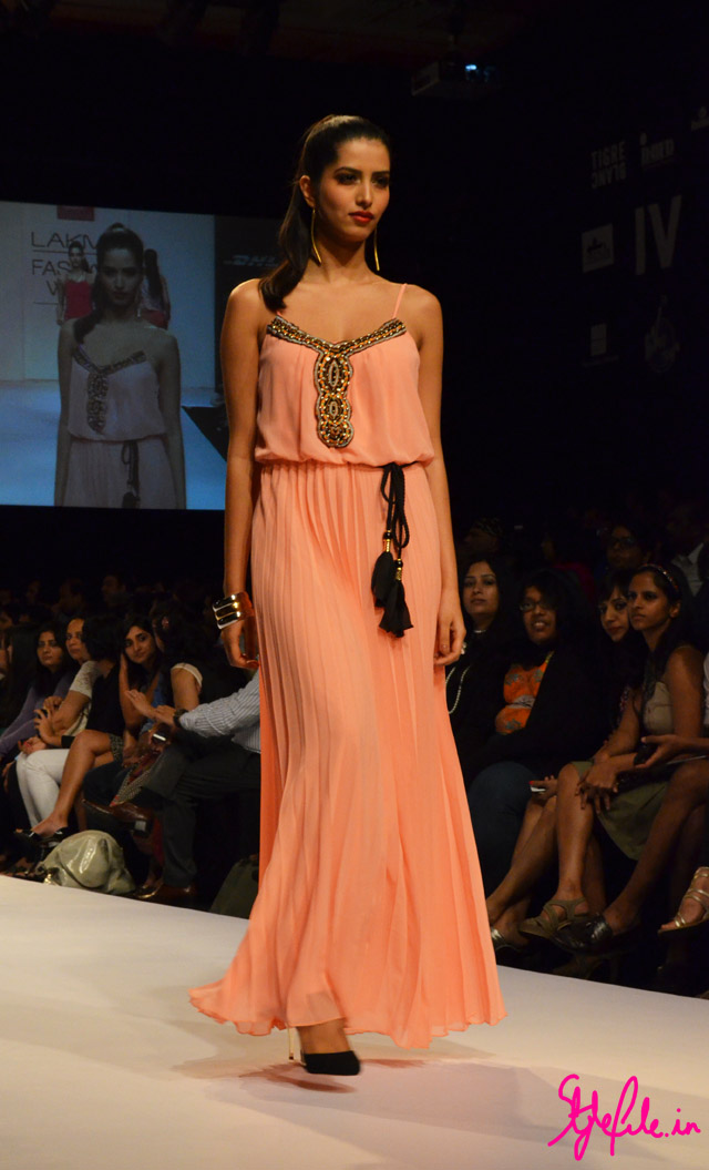 maxi dress bisou bisou lakme fashion week