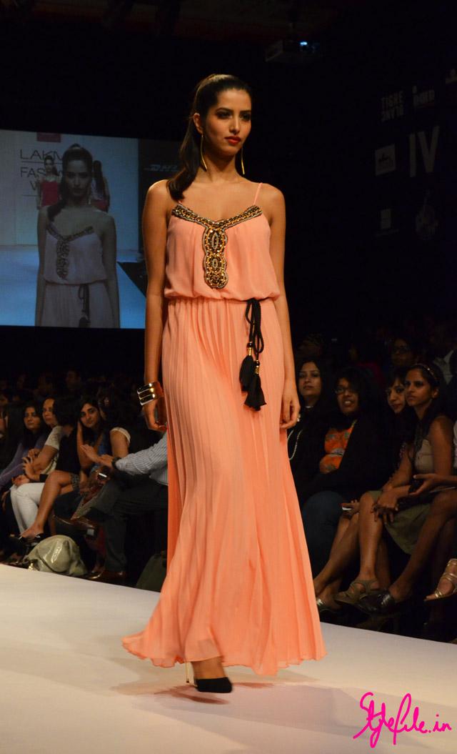 maxi dress bisou bisou lakme fashion week