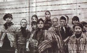 Crianças em Campo de Concentração Nazista