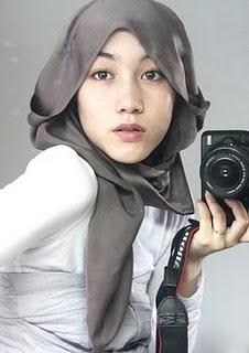 Cara Pakai Shawl Seperti Hana Tajima